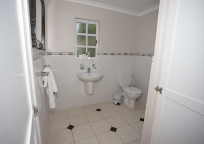 bottom-bathroom-one